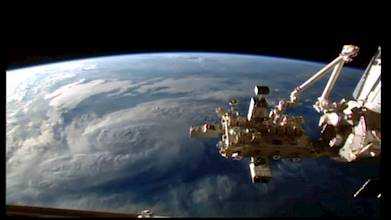 ISS Live Now: Live HD Earth View and ISS Tracker عکس 24